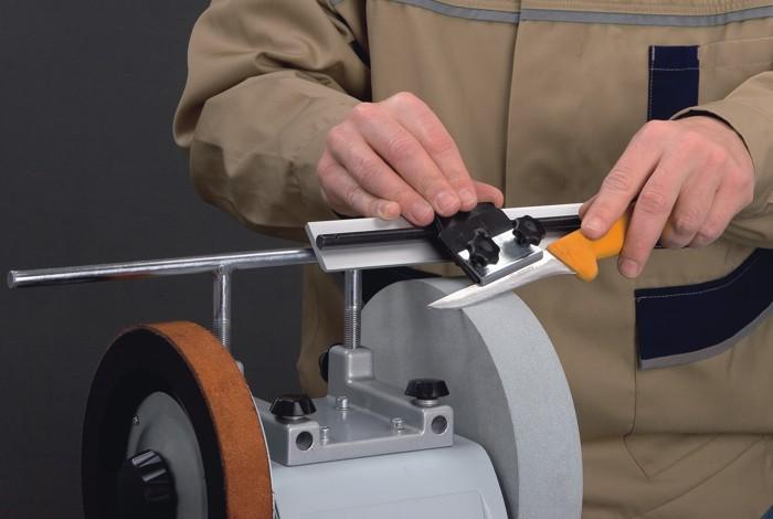 Приспособление для заточки ножей на наждаке своими руками